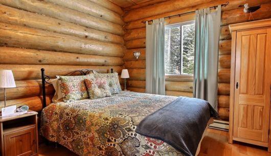 Chambre avec lit Queen - Chalet Nordet