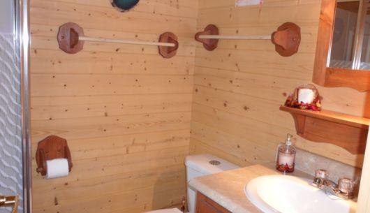 Salle de bain privée du # 2, avec douche