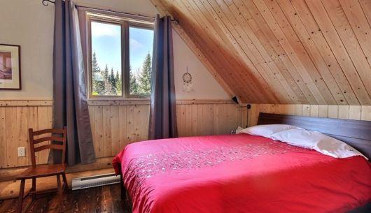 Chambre avec lit Queen - Chalet Maikan