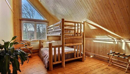 Chambre avec lit Queen superposé d'un lit simple - Chalet Loutre