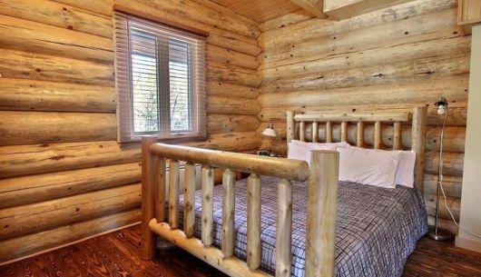 Chambre avec lit Queen - Chalet Loutre
