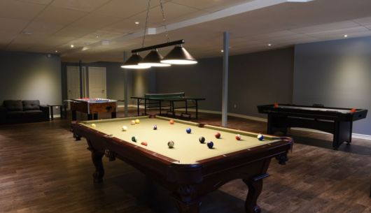 Table de pool, ping-pong, hockey sur air et baby foot