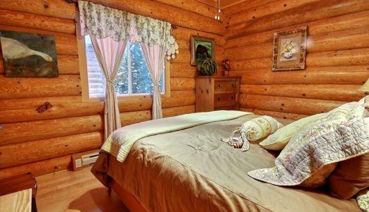 Chambre avec lit Queen - Chalet Ours Noir