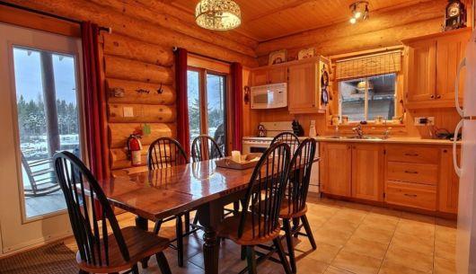Salle à manger et cuisine - Chalet Ours Noir