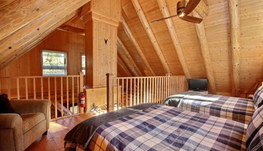 Chambre avec deux lits doubles- Chalet Bécasseau