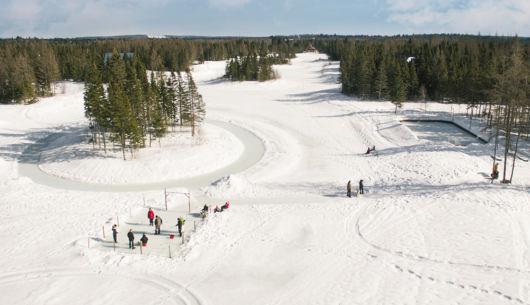 Anneaux de glace et patinoire extérieur - Au Chalet en Bois Rond