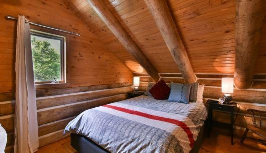 Chambre avec lit Queen - Chalet Huard